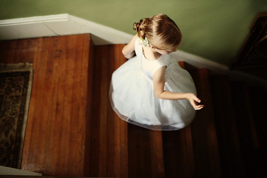 jg_flowergirl_stairs